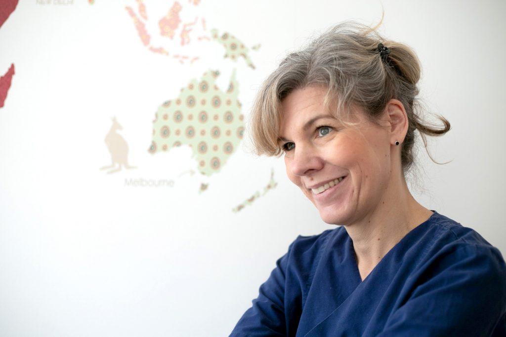 Dr. Nicole Lambiris